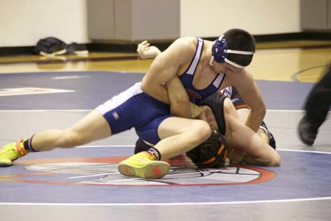 Wrestling gears up to repeat as league champs